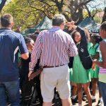2016 - Zulaikha Patel, 13 anni, insieme ad altre scolare, protesta contro le regole razziste sui capelli alla Pretoria Girls High School, Sudafrica
