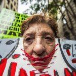 2017 - Le donne protestano contro il disimpegno della politica nell'affrontare e curare le donne vittime di violenza nella città di São Paulo